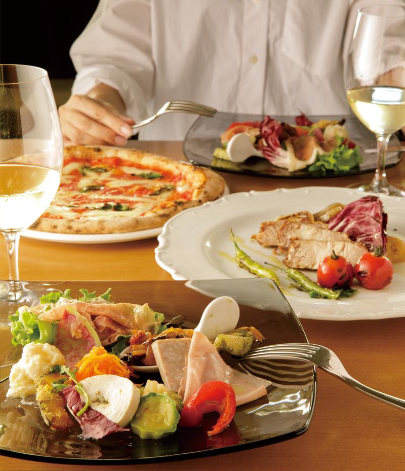 お二人様から愉しんでいただける取り分けコースです。お誕生日や特別なディナーにご利用ください。